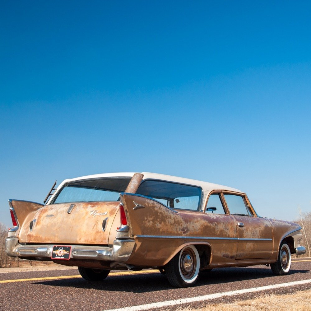 1960 Plymouth Deluxe Suburban Station Wagon = Rare 1 o 5 For Sale (picture 4 of 6)