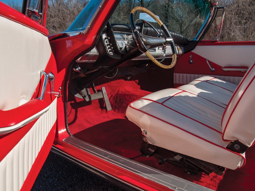 1959 Plymouth Sport Fury Convertible  For Sale by Auction (picture 4 of 6)