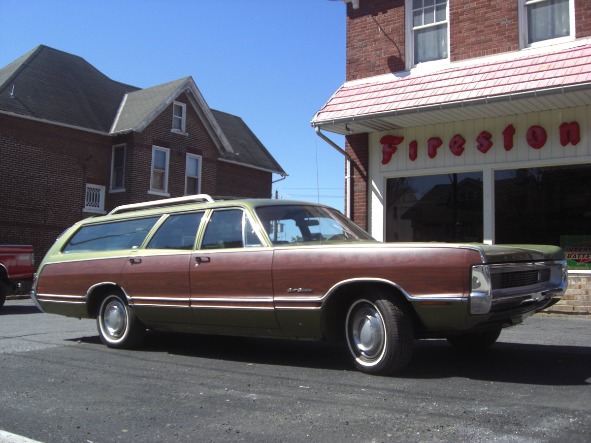 1970 Plymouth Fury Sport suburban For Sale (picture 1 of 6)
