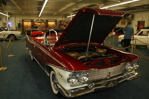 Picture of 1960 Plymouth Fury with the 'SonoRamic Commando' engine