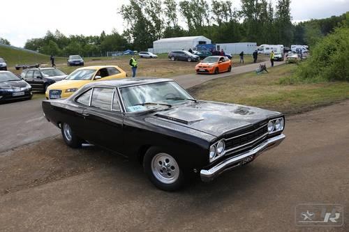 1968 Plymouth Roadrunner + 426 HEMI triple-black For Sale (picture 6 of 6)
