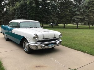 1956 Pontiac Star Chief 2DR HT