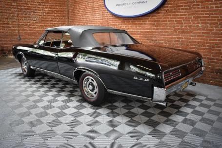 1967 Pontiac GTO Convertible = Black 4 Speed Manual $59.5k For Sale (picture 2 of 6)