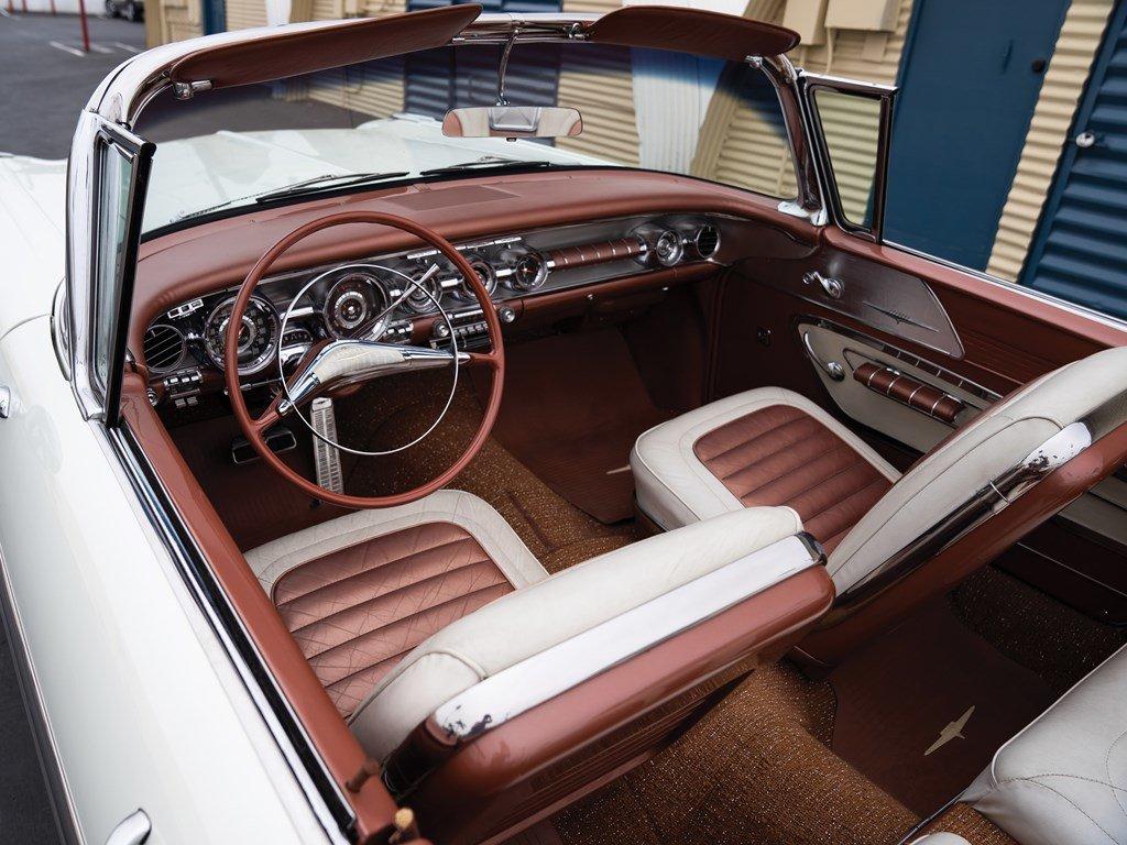 1958 Pontiac Bonneville Custom Convertible  For Sale by Auction (picture 4 of 6)