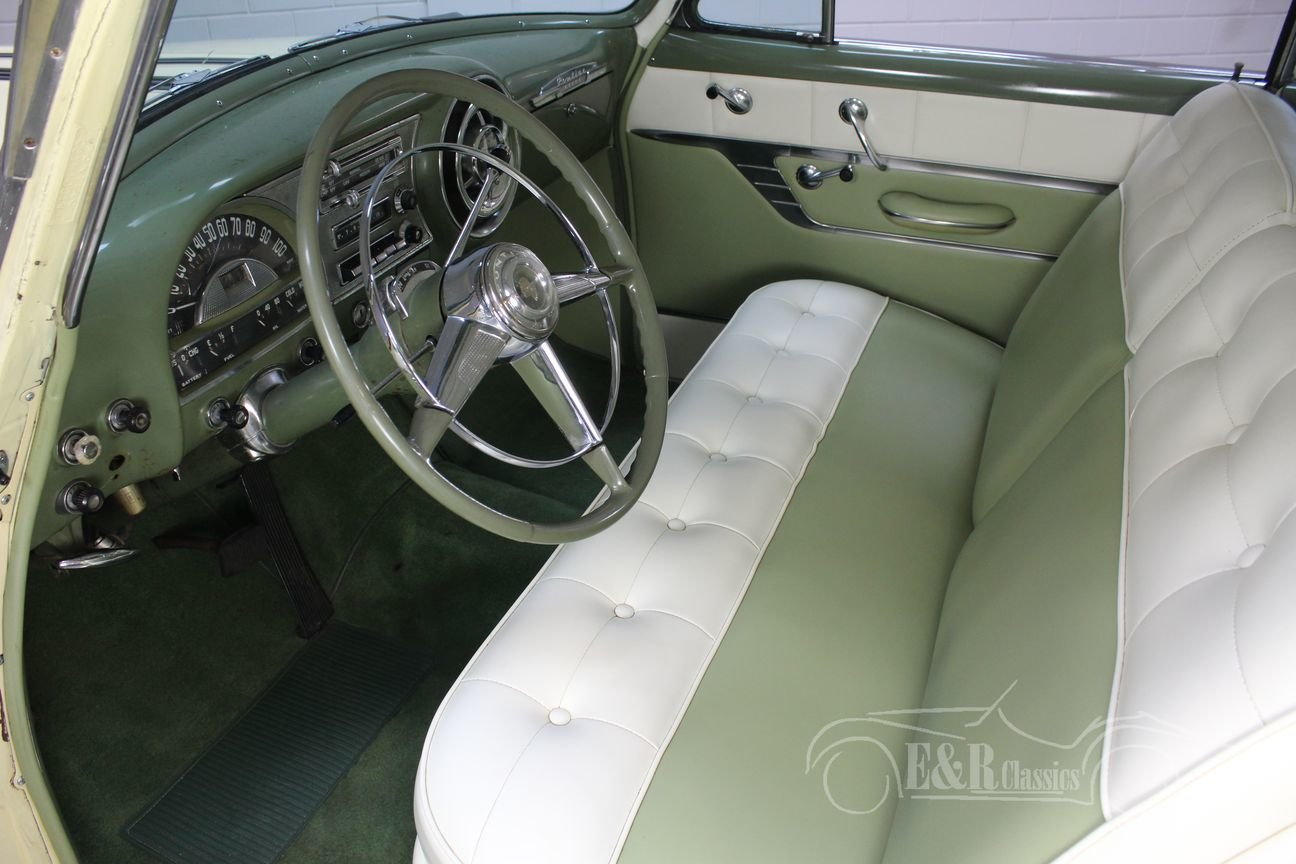 Pontiac Chieftain 1953 8 cyl 2 door pilarless coupe For Sale (picture 3 of 6)