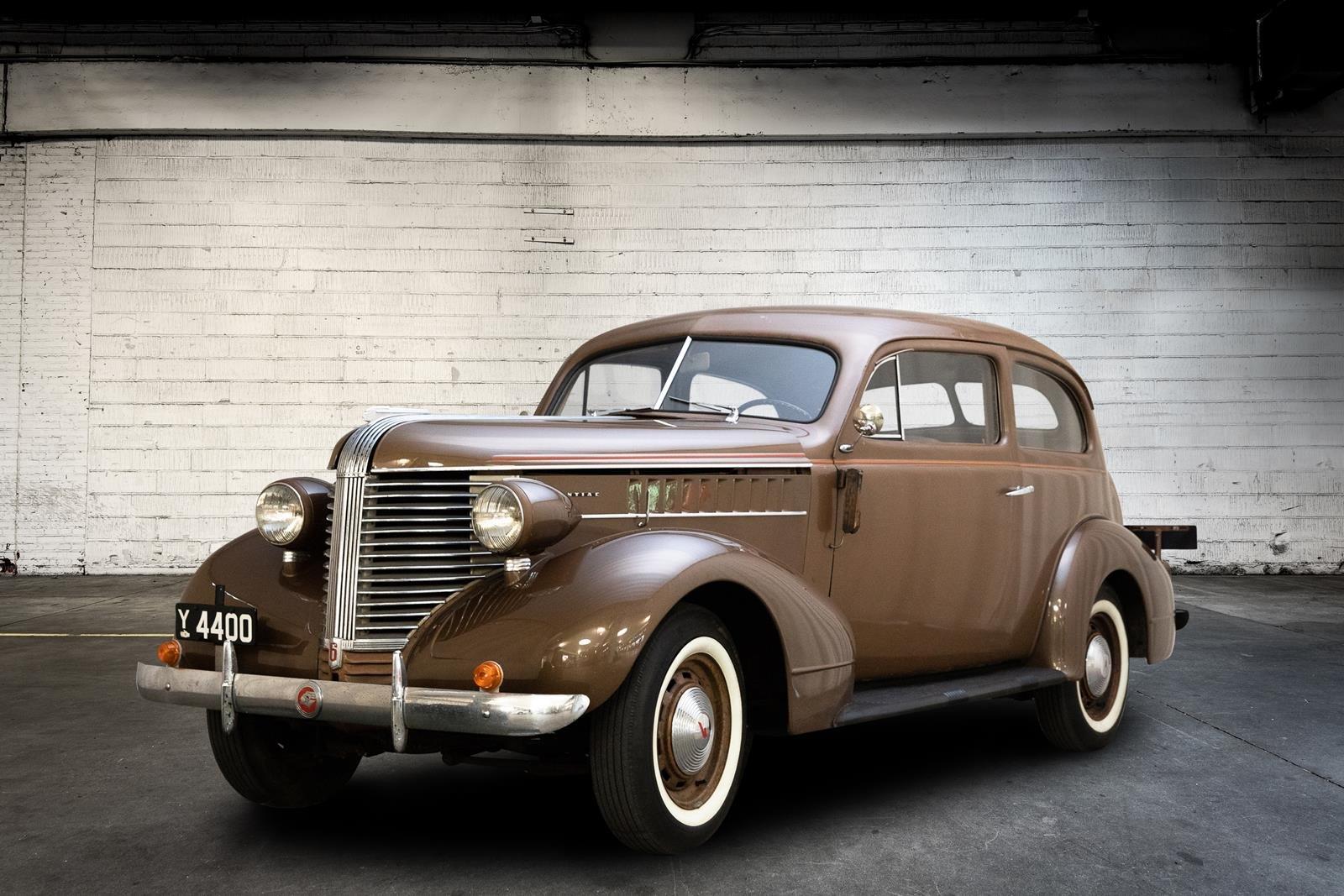 1938 Pontiac Sedan 3,7  For Sale (picture 1 of 6)