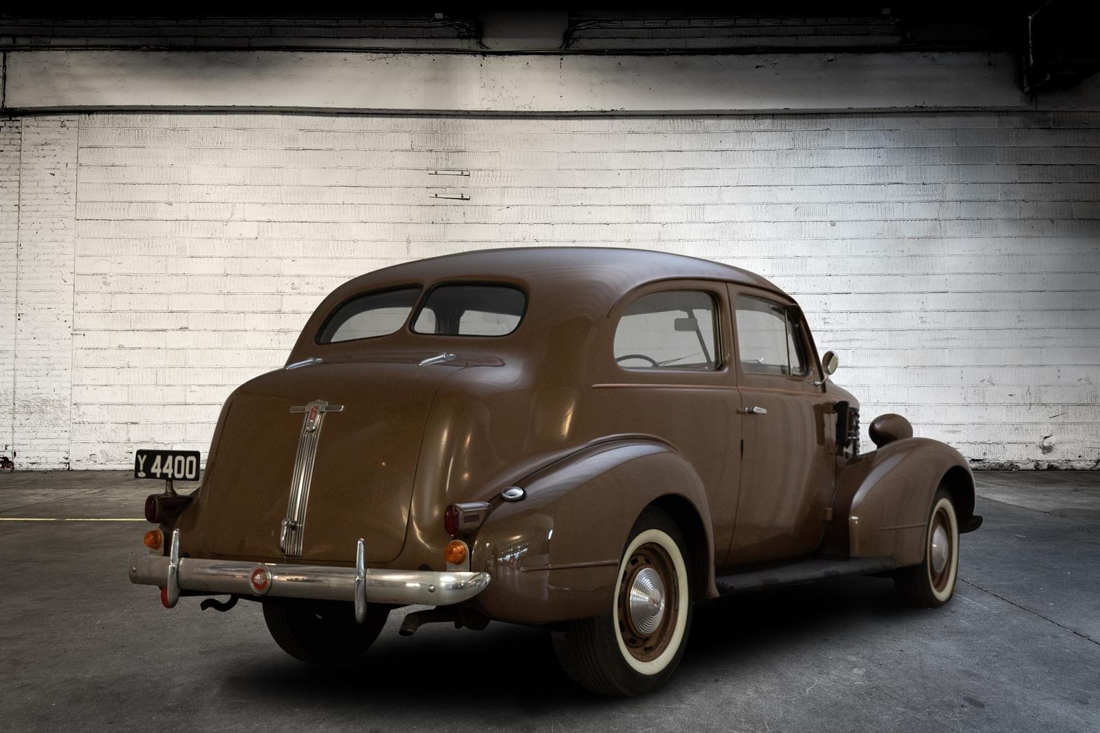 1938 Pontiac Sedan 3,7  For Sale (picture 2 of 6)