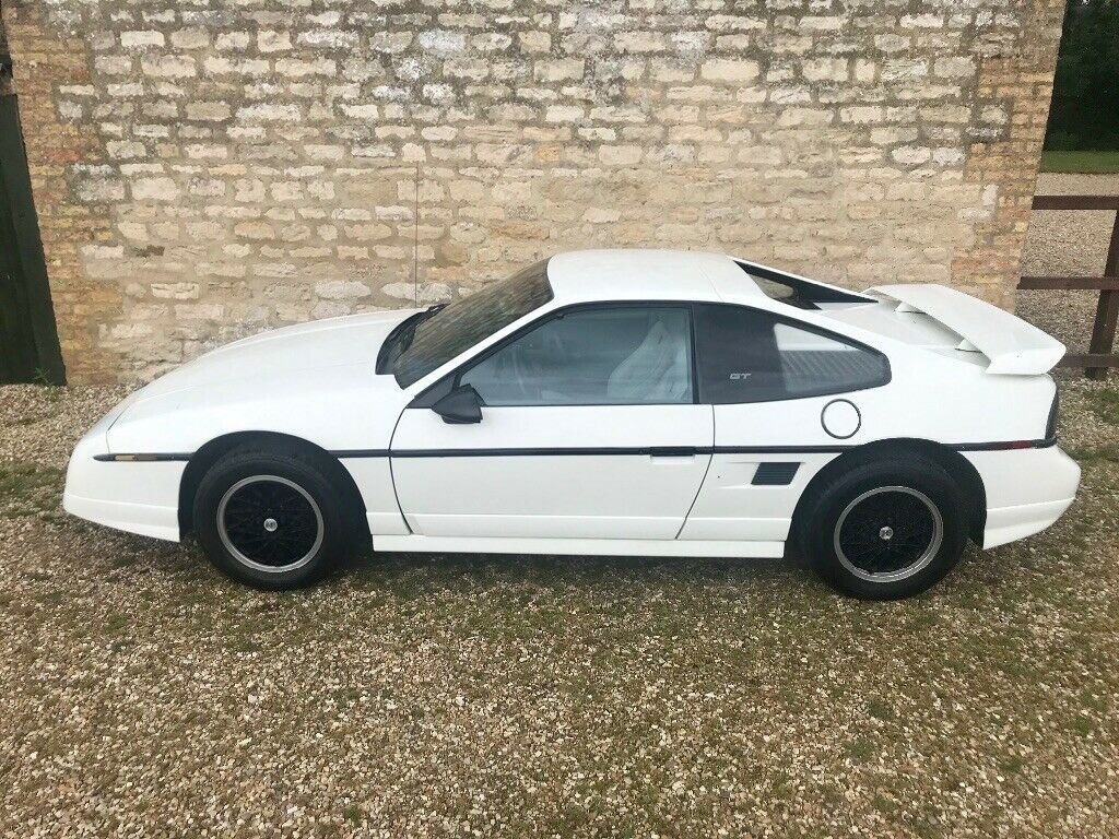 1988 Pontiac Fiero 2.8 V6 GT For Sale (picture 1 of 6)