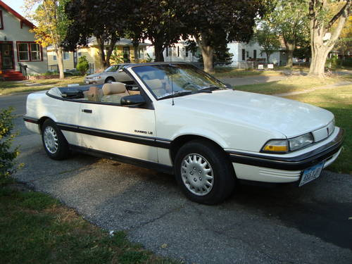 1990 Pontiac Sunbird LE Convertible For Sale (picture 1 of 6)