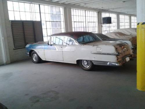 1956 Pontiac Star Chief 2DR HT For Sale (picture 1 of 1)