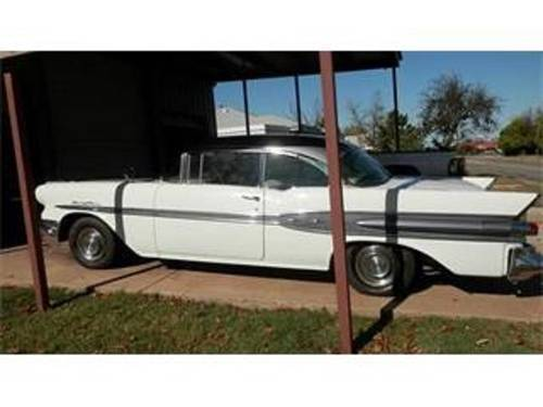 1957 Pontiac Chieftain 2DR HT For Sale (picture 1 of 6)