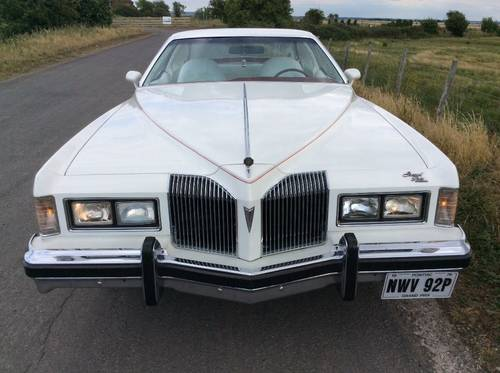 1976 Pontiac Grand Prix SJ 2 door sports coupe For Sale (picture 1 of 6)