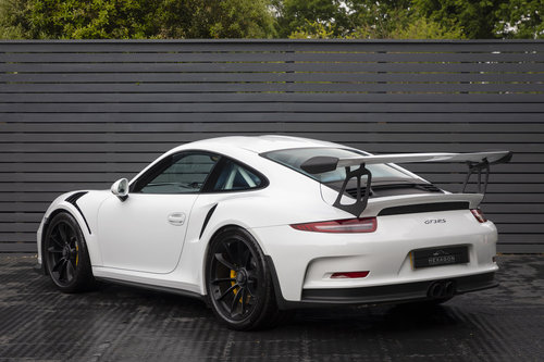 2016 PORSCHE 991 GT3 RS SOLD (picture 2 of 6)