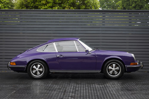 1972 Porsche 911 T 2.4 Coupe  SOLD (picture 3 of 6)