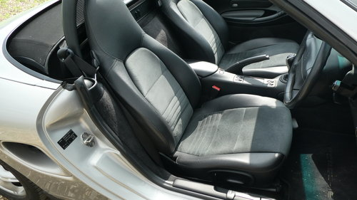2000 Porsche Boxster 2.7 with just 38k miles from new  SOLD (picture 3 of 6)