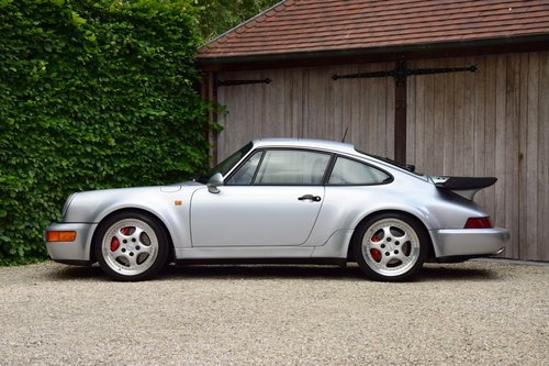 1993 Stunning Porsche 911 Turbo 3.6 (LHD) For Sale (picture 2 of 6)
