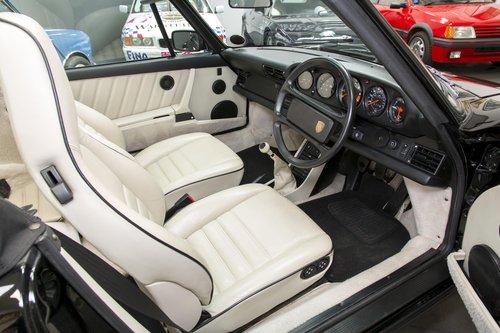 1989 Porsche 911 Carrera 3.2 Super Sport Convertible For Sale (picture 4 of 6)