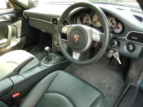 2004 IMMACULATE 997 C2S 3.8 manual -- LOW MILEAGE SOLD (picture 2 of 6)