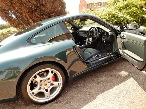 2004 IMMACULATE 997 C2S 3.8 manual -- LOW MILEAGE SOLD (picture 5 of 6)