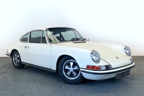 1970 Porsche 911E Sportomatic. Fully Restored. Stunning SOLD (picture 1 of 6)