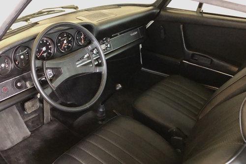 1970 Porsche 911E Sportomatic. Fully Restored. Stunning SOLD (picture 3 of 6)