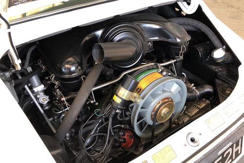 1970 Porsche 911E Sportomatic. Fully Restored. Stunning SOLD (picture 6 of 6)