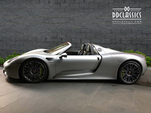 2015 Porsche Spyder LHD For Sale (picture 4 of 6)