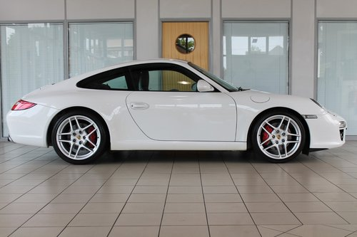 2009/09 Porsche 911 (997) Gen 2 3.8 C2S Manual Coupe SOLD (picture 4 of 6)