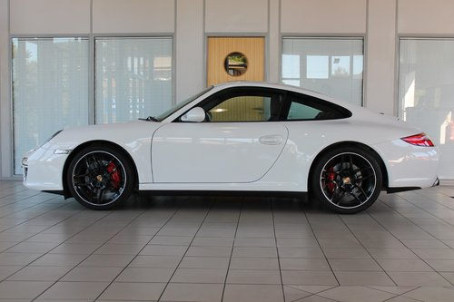2010/10 Porsche 911 (997) 3.8 C4S PDK Cupe SOLD (picture 3 of 6)