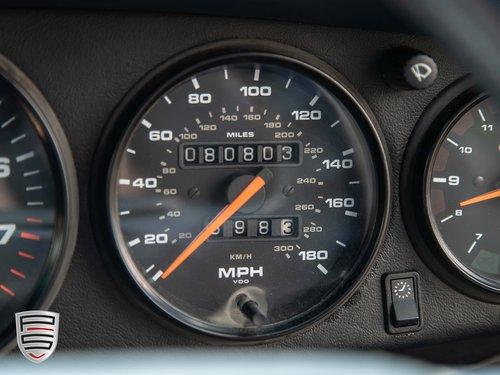 1995 Porsche 993 Carrera 4 Manual coupe For Sale (picture 6 of 6)