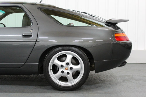 1994 PORSCHE 928 GTS - EXTREMELY PRESENTABLE UK SUPPLIED RHD CAR For Sale (picture 6 of 6)
