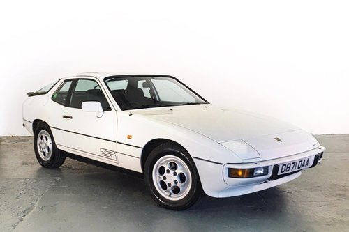 Porsche 924S in superb condition with great history. 1987 SOLD (picture 1 of 6)