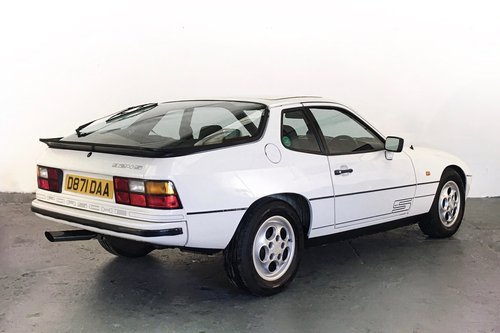 Porsche 924S in superb condition with great history. 1987 SOLD (picture 2 of 6)
