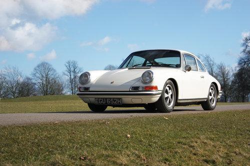 1970 Porsche 911E Sportomatic. Fully Restored. Stunning SOLD (picture 5 of 6)