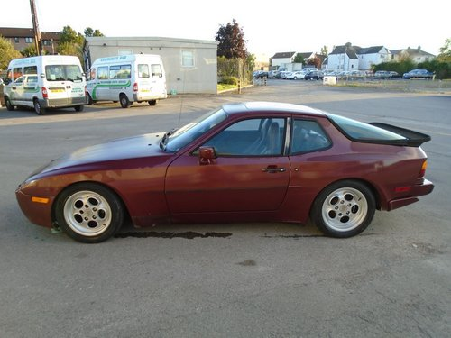 PORSCHE 944 TURBO LHD 5 SPEED COUPE(1986) RED 99% RUSTFREE! SOLD (picture 2 of 6)