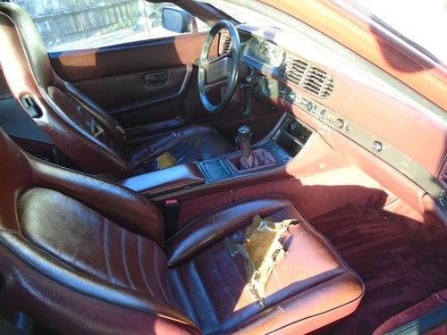 PORSCHE 944 TURBO LHD 5 SPEED COUPE(1986) RED 99% RUSTFREE! SOLD (picture 5 of 6)