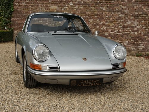 1969 PORSCHE 911 2.0 T LWB COUPE ONE OF THE VERY FIRST PRODUCTIO  For Sale (picture 5 of 6)