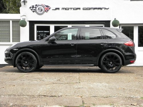2012 Porsche Cayenne 3.0 Diesel Tiptronic S finished in Jet Black SOLD (picture 2 of 6)