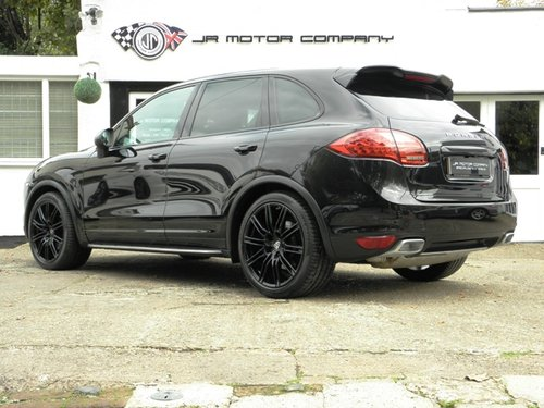 2012 Porsche Cayenne 3.0 Diesel Tiptronic S finished in Jet Black SOLD (picture 3 of 6)