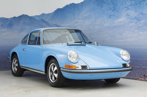 1971 Porsche 911 T 2.2 Coupe S-Trim SOLD (picture 1 of 6)