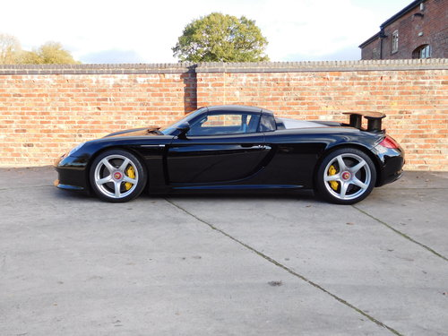 2004 Porsche Carrera GT 1,800 Miles  For Sale (picture 1 of 6)