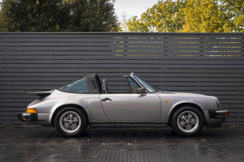 1988 PORSCHE 911 3.2 TARGA JUBILEE EDITION LHD For Sale (picture 3 of 6)