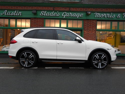 2011 Porsche Cayenne V6 D Tiptronic  SOLD (picture 1 of 6)