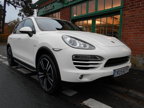 2011 Porsche Cayenne V6 D Tiptronic  SOLD (picture 2 of 6)