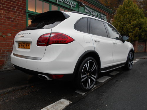 2011 Porsche Cayenne V6 D Tiptronic  SOLD (picture 3 of 6)