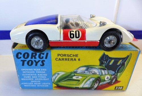 VINTAGE PORSCHE CARRERA 6 CORGI MODEL 330 BOXED For Sale (picture 2 of 6)
