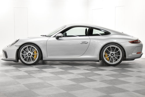 2018 / 18 Porsche 911 (991.2) GT3 Touring *SOLD* SOLD (picture 3 of 6)
