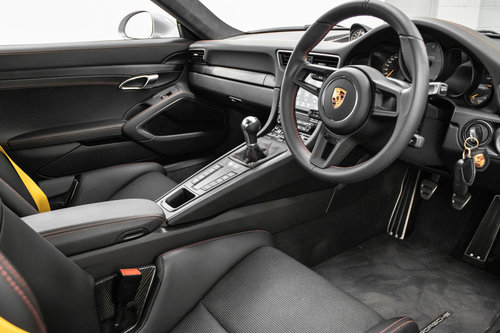 2018 / 18 Porsche 911 (991.2) GT3 Touring *SOLD* SOLD (picture 4 of 6)