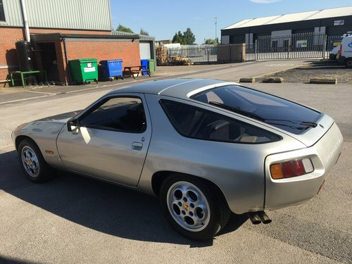 1982 PORSCHE 928 SOLD (picture 4 of 6)