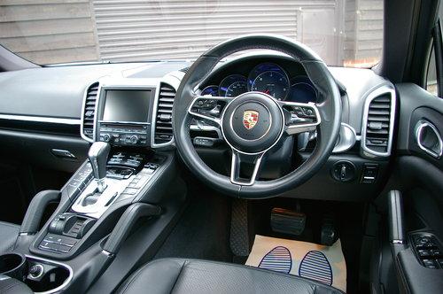 2015 Porsche Cayenne Diesel 3.0 D V6 Tip S Auto (34,000 miles) SOLD (picture 5 of 6)